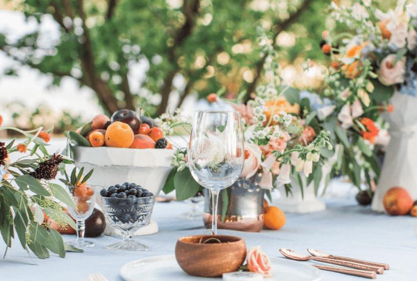 Decoração com frutas dá destaque à mesa