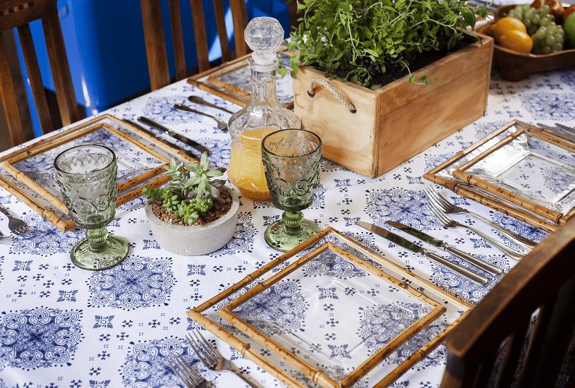 Inspiração: mesa de almoço simples e charmosa