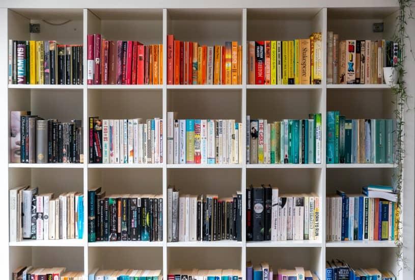 Decoração com livros: a estante